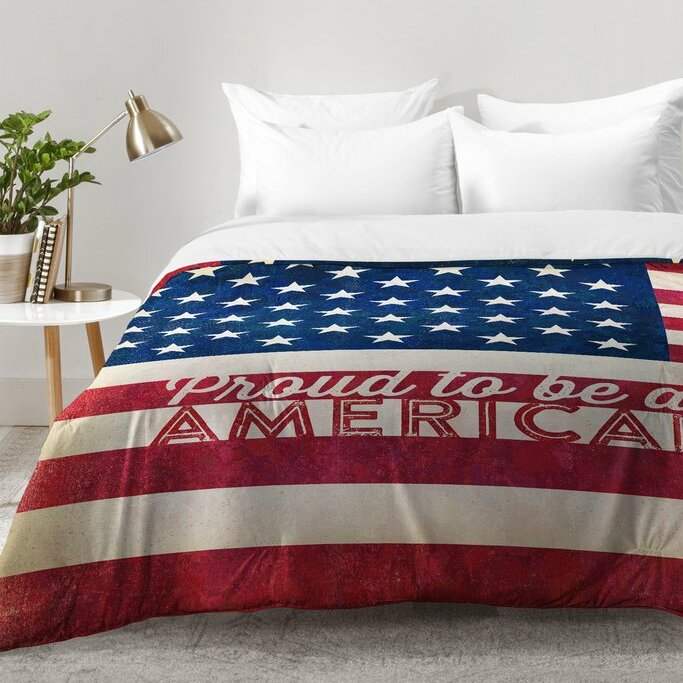 Top East Urban Home Proud To Be An American Flag Comforter Set  PL62
