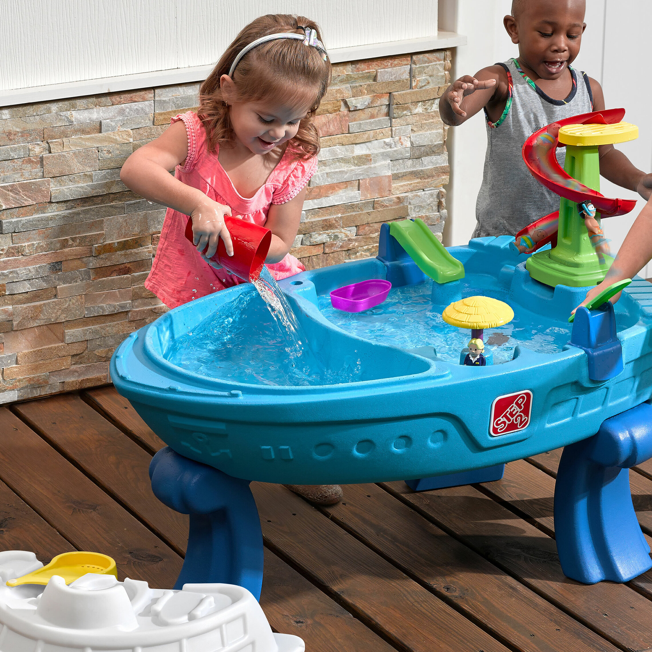 Fiesta Cruise Sand Water Table