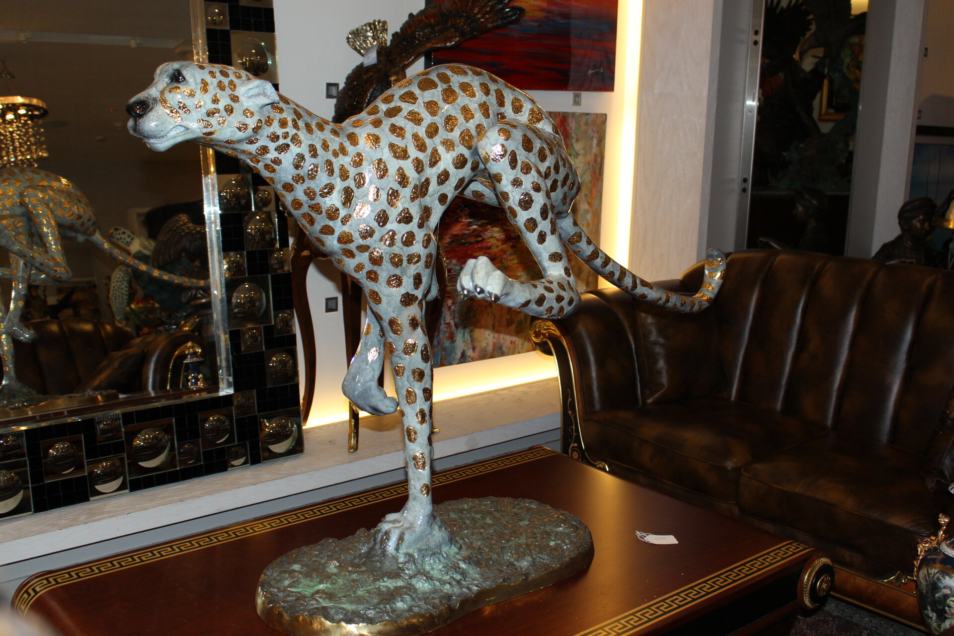 Nifao Statues Running Cheetah Pleated Statue