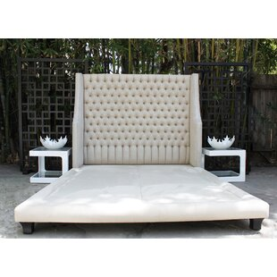 Decenni Taglia Queen Upholstered Platform Bed