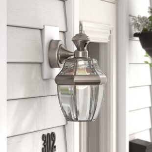 Larchmont Traditional 1-Light Outdoor Wall Lantern