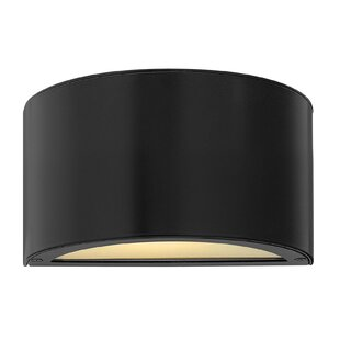 Reviews Luna Outdoor Sconce By Hinkley Lighting