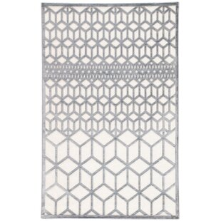 Best Reviews Helene Gray/White Area Rug By Wrought Studio