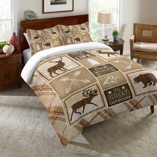 Cliney Cabin Comforter by Loon Peak