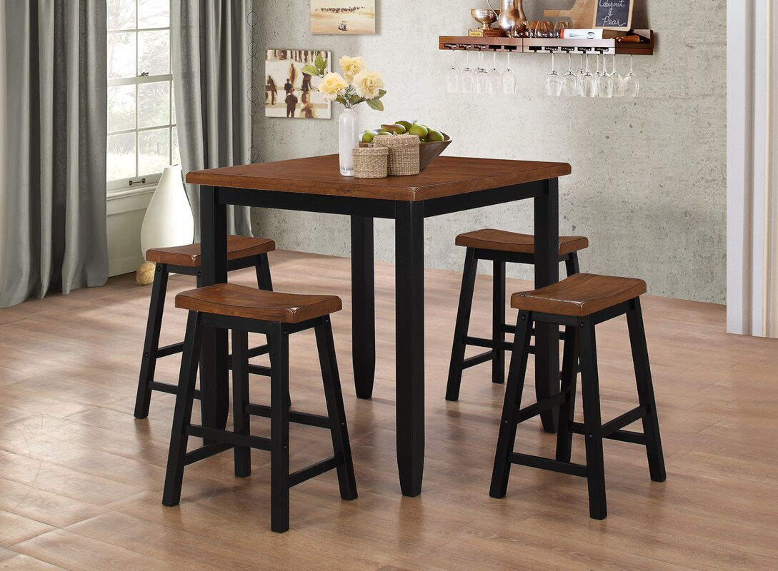black-pub-table-ebony-nude-sexy-mature-feet