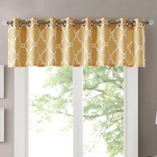 Winnett Light-Filtering 50 Curtain Valance