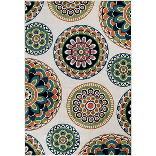Bethea Green Indoor/Outdoor Area Rug