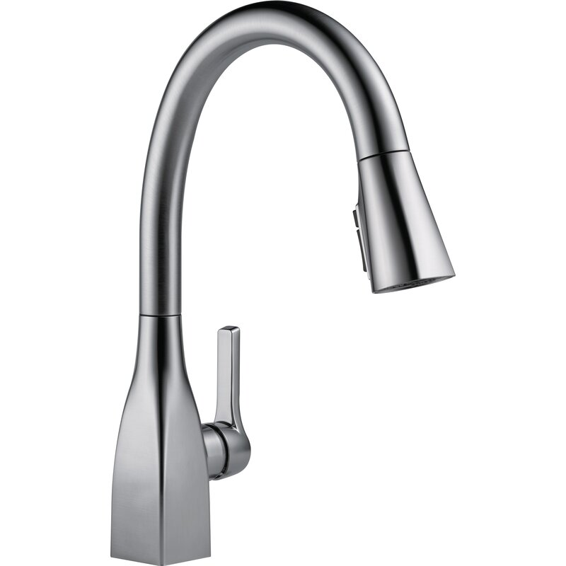 Mateo Pull Down Single Handle Kitchen Faucet With Magnatite Docking And Diamond Seal Reviews