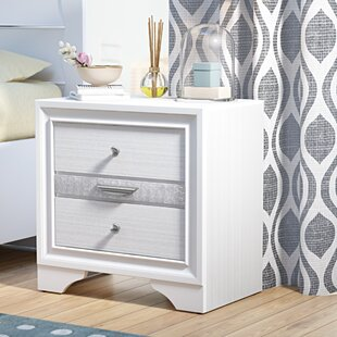 Gilliam 3 Drawer Nightstand by Ivy Bronx