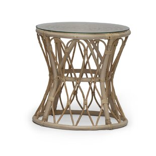 Review Aayan Rattan Side Table