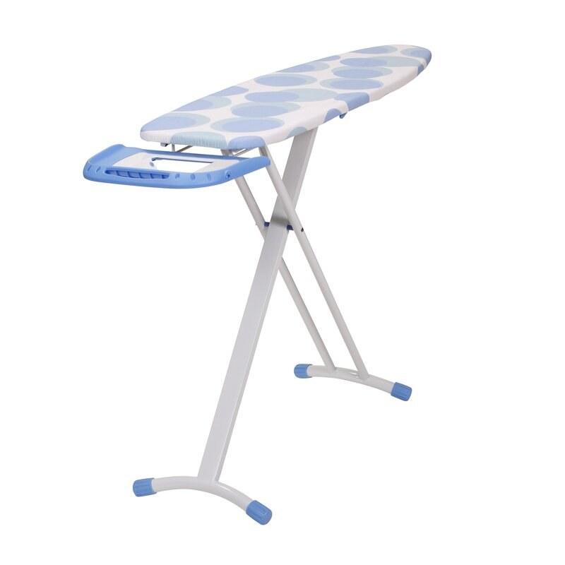 Freestanding Ironing Board With Retractable Iron Rest