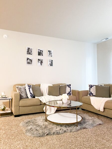 How To Create A Cozy Atmosphere In A Large Living Room