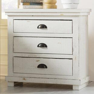 Castagnier 3 Drawer Nightstand by Lark Manor
