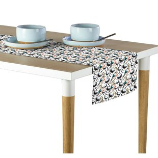Dayanara Pretty Bird Table Runner