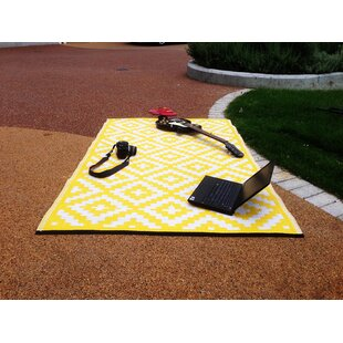 Nirvana Yellow/White Indoor/Outdoor Area Rug