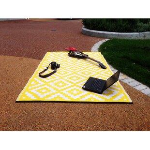 Nirvana Yellow/White Indoor/Outdoor Area Rug