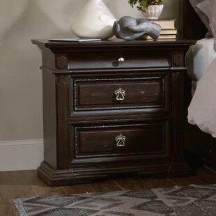 Hooker Furniture Treviso 3 Drawer Bachelor's Chest