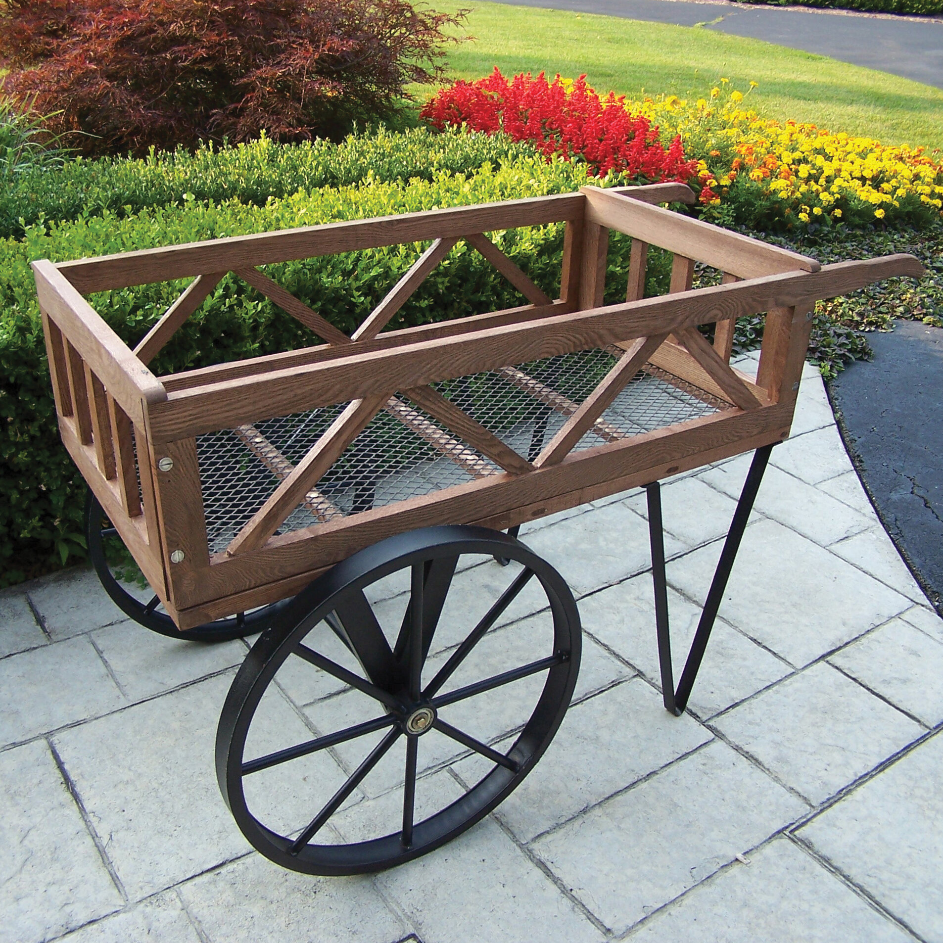 Oakland Living Cedar Wheelbarrow Planter & Reviews