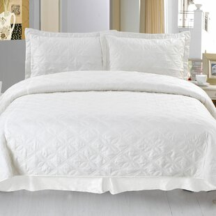 Andrea Embroidered Quilt Set