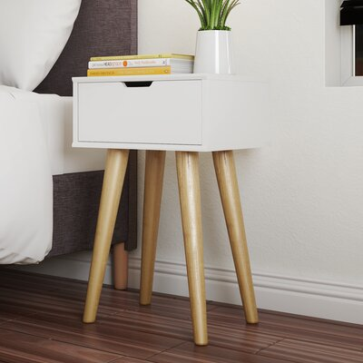 Nachttisch Hydra mit 1 Schublade | Schlafzimmer > Nachttische | Weiß | Lackiert - Eichenholz | Fjørde & Co