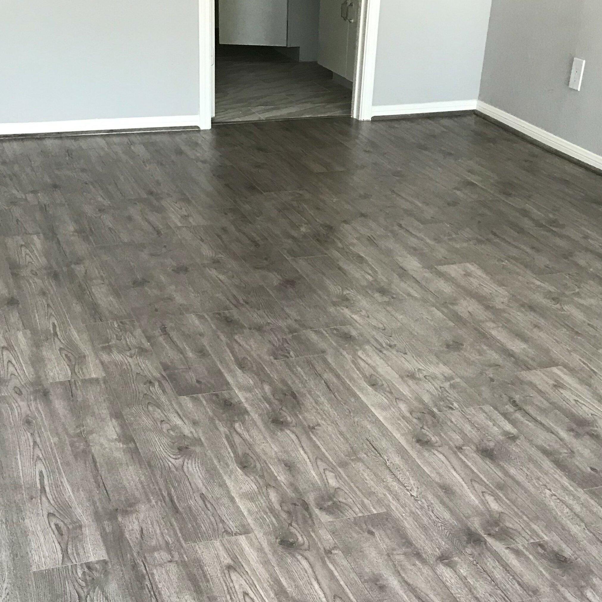 X 48 12mm Oak Laminate Flooring