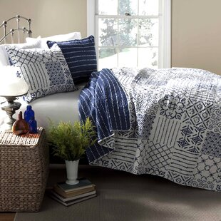 Hawthorn Bedding Collection