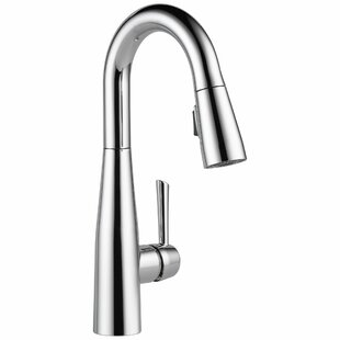 Review Essa Pull Down Single Handle Kitchen Faucet with MagnaTite® Docking and Diamond Seal by Delta