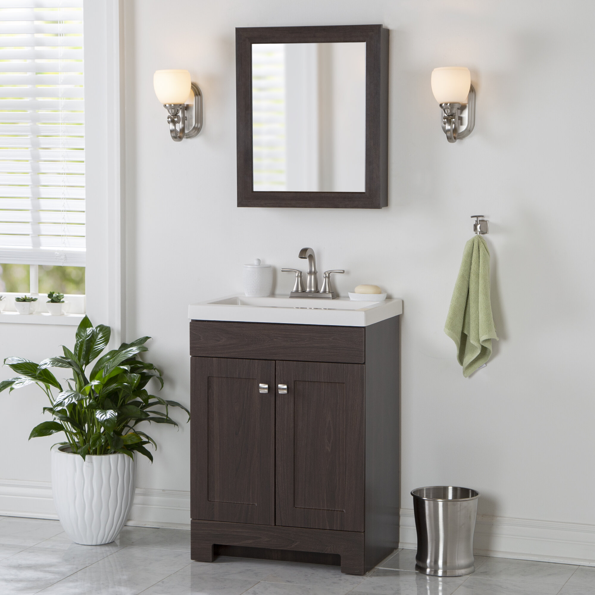 Poche 25 Single Bathroom Vanity Set