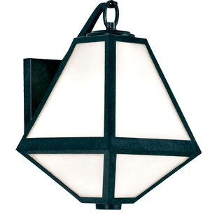 Hankerson Outdoor Wall Lantern by Brayden Studio