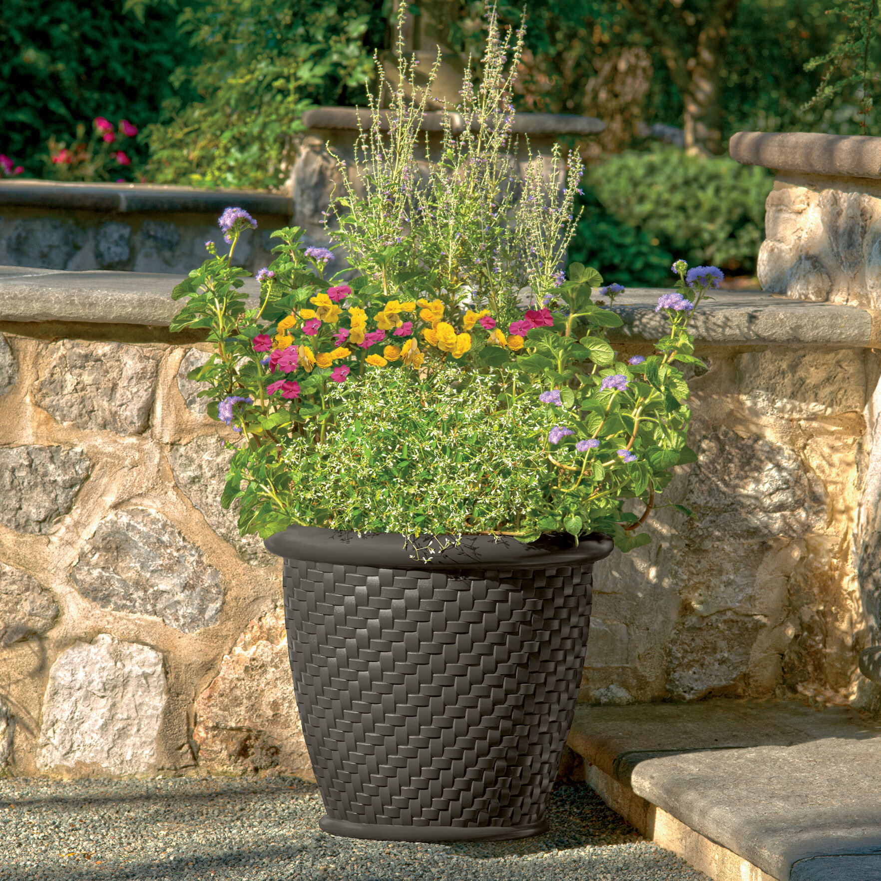 Suncast Herringbone Resin Pot Planter Reviews Wayfair