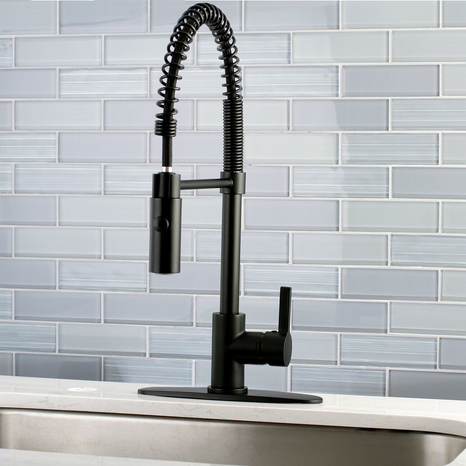 Continental Pull Down Single Handle Kitchen Faucet