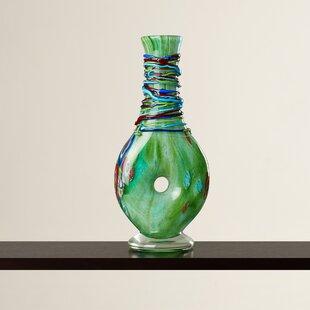 Nyi Keyhole Vase