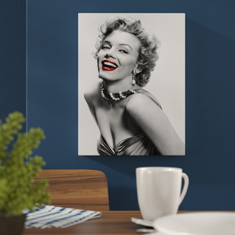 Marilyn Monroe With Red Lips Memorabilia On Wrapped Canvas