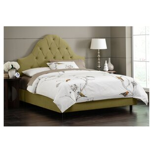 Melonie Tufted Upholstered Platform Bed by Skyline Furniture
