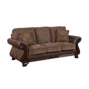 Fleur De Lis Living Buckelew Traditional Sofa