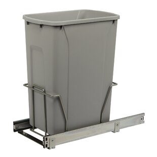 Knape&Vogt Single Pull-Out 8.75 Gallon Trash Can