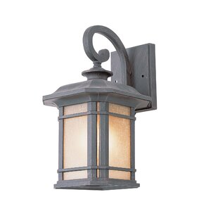 Corner Windows 1-Light Outdoor Wall Lantern