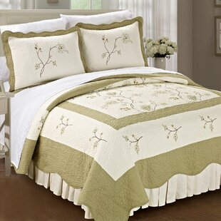 Spring Flowers 3 Piece Quilt Set