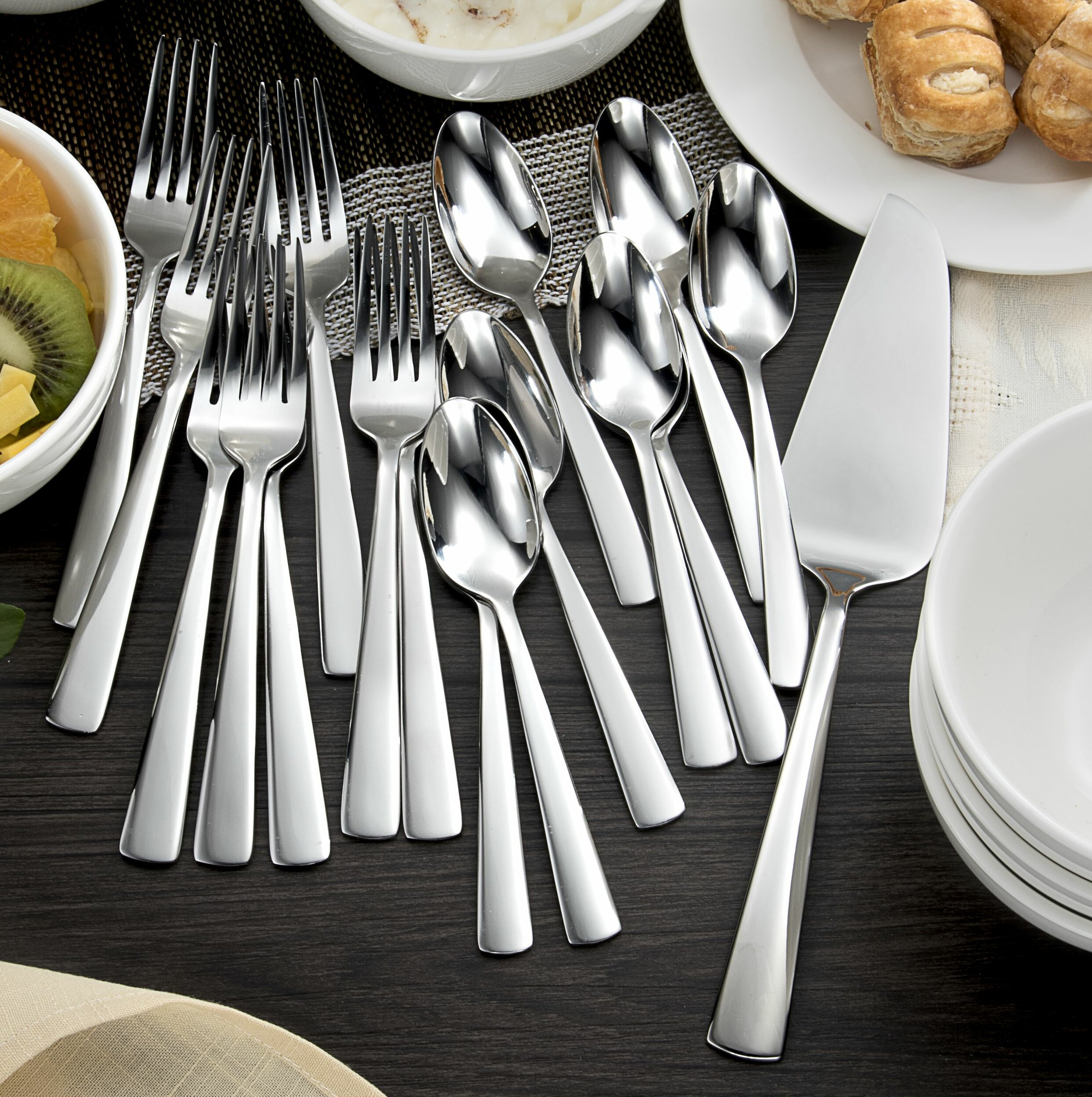 Oneida Chef\'s Table 17 Piece Stainless Steel Dessert Flatware Set ...