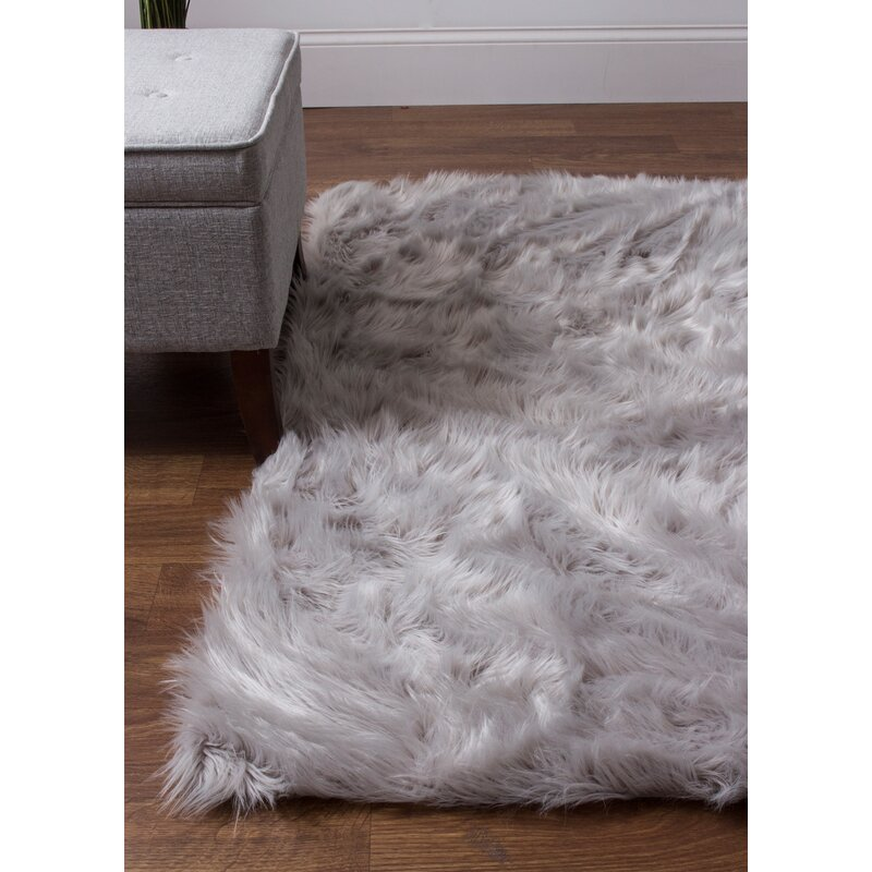 House of Hampton Charlotte Hand-Woven Faux Sheepskin Gray Area Rug