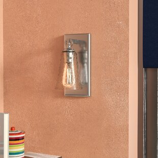Bond 1-Light Armed Sconce by Latitude Run
