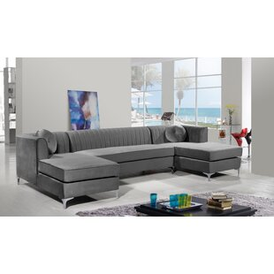 Keighley Modular Sectional by Everly Quinn