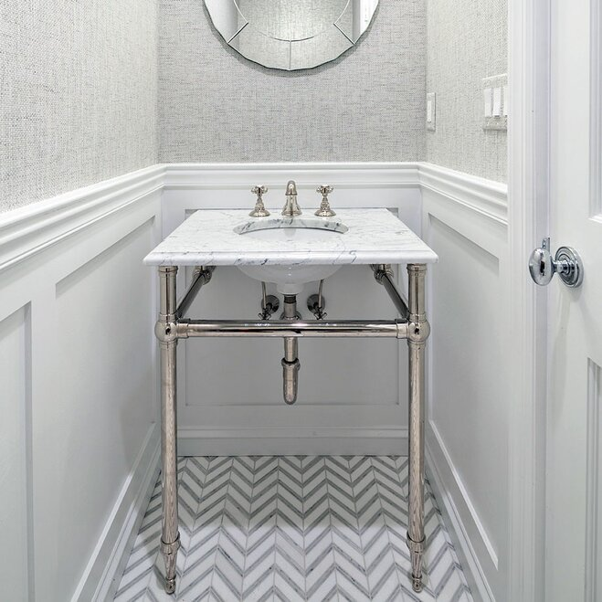 Attirant White Patterned Bathroom Floor