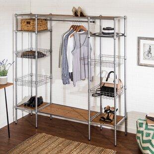 67 W Closet System