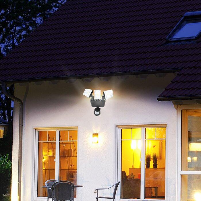 85 Watt Solar Dusk To Dawn Outdoor Security Flood Light With Motion Sensor