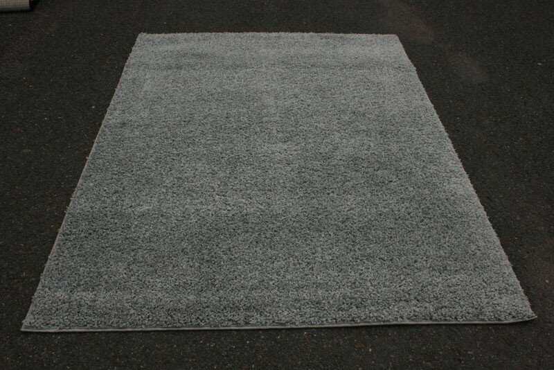 Bennet Plain Gray Area Rug
