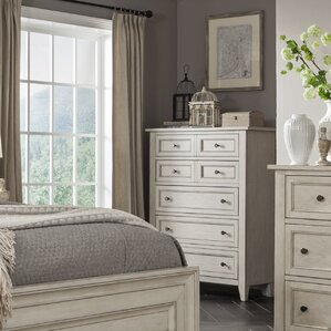 Stoughton 5 Drawer Chest by Rosecliff Heights