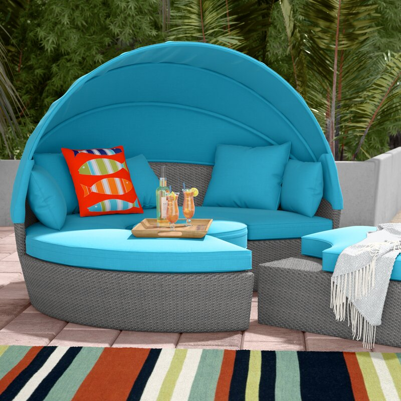 Beachcrest Home Churchill Luxurious Resort Style Daybed with Cushions