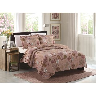 Osterley 3 Piece Reversible Quilt Set