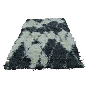 Great choice Yasmine Shaggy and Plush Hand-Knotted Beige/Black Area Rug ByBungalow Rose